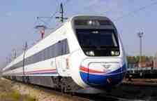TCDD' Uyardı ..Demir Yolu Hattına Yaklaşmayın