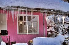 Yeni Haber : Kışlaçay Mahalesinde Dev Sarkıtlar Oluştu!!