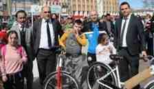 +1 Down Sendromlular Atletizm Şenliği Demokrasi Meydanında gerçekleştirildi.