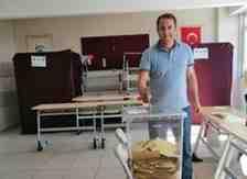 Kışlaçay'lı Vatandaşlarımız İstanbul'daki Okullar'da Oylarını Kullandı!
