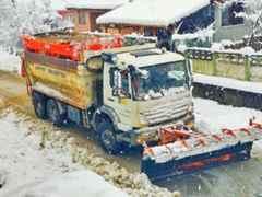 Arifiye Belediyesi Kışlaçay- Boğazköy Mahallesinde Kar Mesaisi.