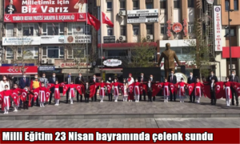 Milli Eğitim 23 Nisan bayramında çelenk sundu