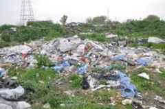 Sakarya Nehri'ni kirletmeye devam ediyorlar..