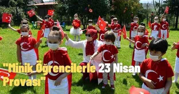 Minik Öğrencilerle 23 Nisan Provası..