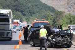 Feci Kaza D-650 Karayolunu Kilitledi: 3 Yaralı