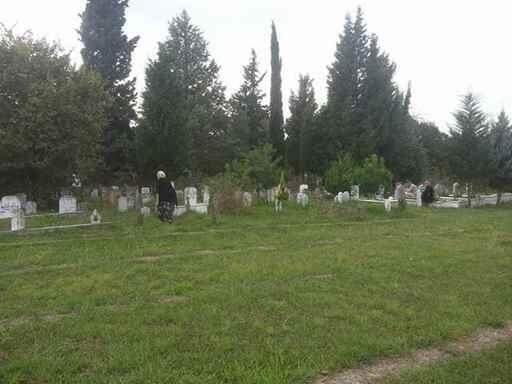 Sakarya'da mezarlıklar Kurban Bayramı'na hazır.