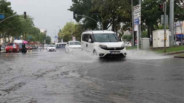 Büyükşehir Uyardı: Sel ve Su Baskını Yaşanabilir.